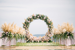 72c80_01-circular-floral-arches-altars-wedding-ceremony-backdrop-new-trend